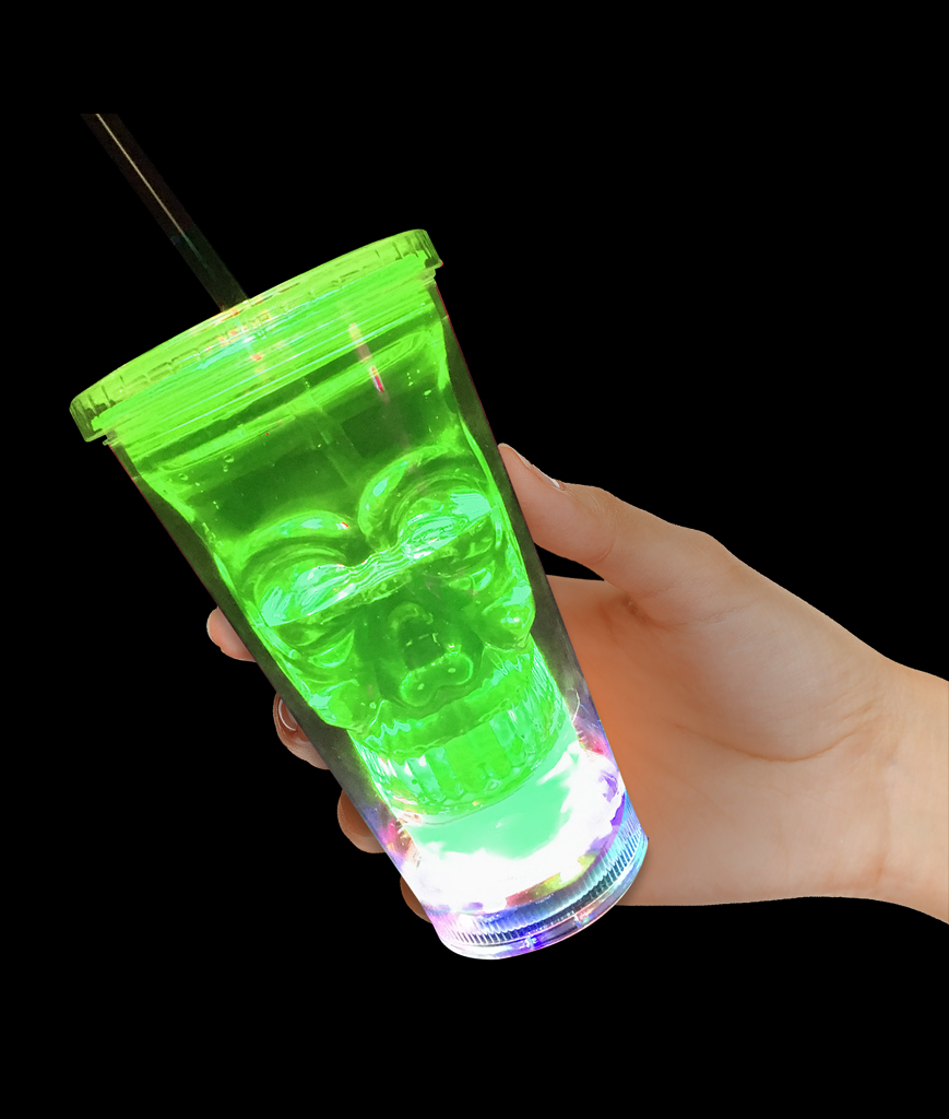 Fun Central BD005 LED Light Up Skull Tumbler - Green