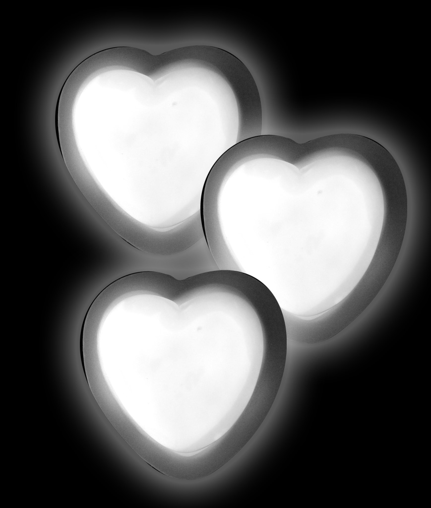 Glow Badge Heart - White