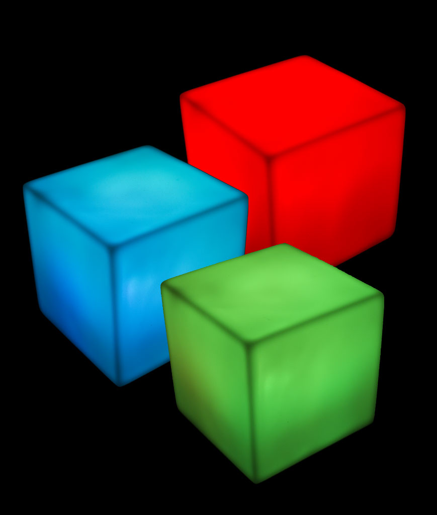 Fun Central AT744 LED Light Up Color-Morphing Cube Mood Light