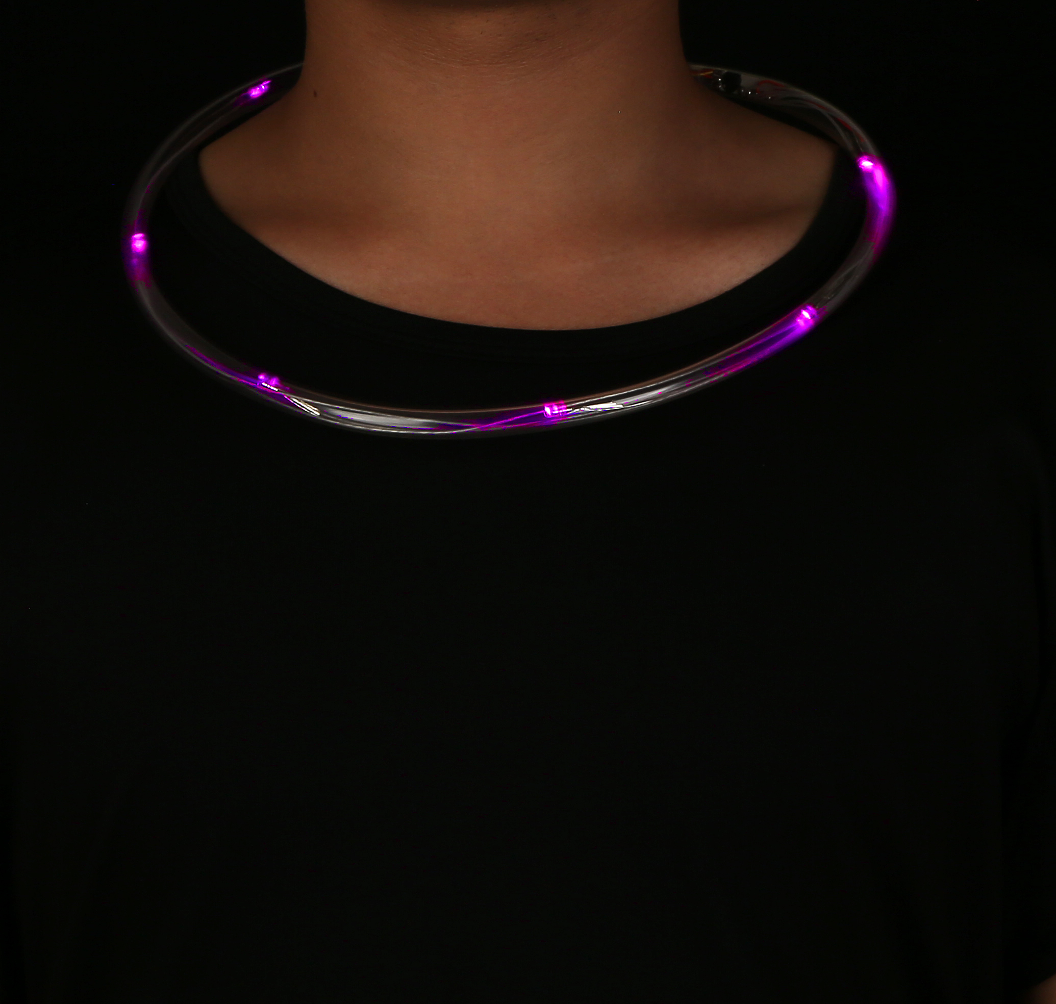 Fun Central X822 LED Light Up Light Chaser Necklace - Pink