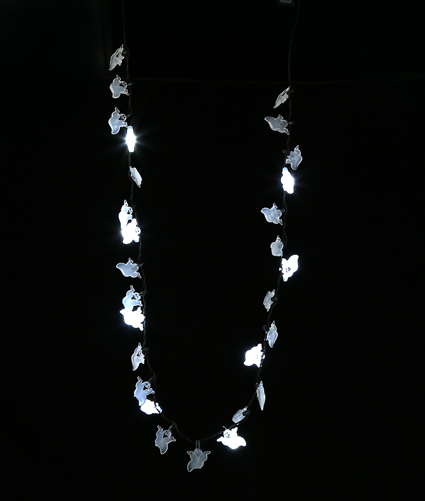 Fun Central G506 LED Light Up Ghosts Necklace - 34 Inch