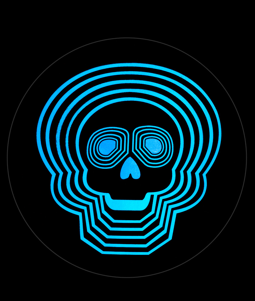 Fun Central C083 LED Light Up Sound Activated Patch - Blue Skull