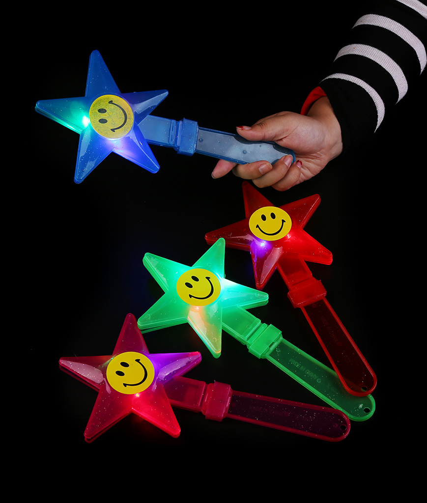 Fun Central A30 LED Light Up Star Clappers - Assorted