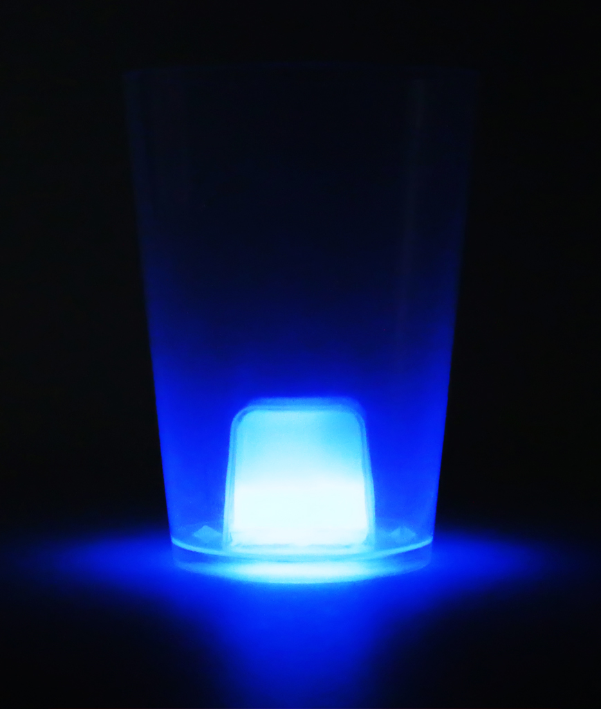 Fun Central BC701 Glow in the Dark Cube Cup - Blue