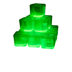Fun Central P907 Glow in the Darking Ice Cubes - Green