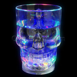Fun Central AD008 LED Light Up 14oz Skull Mug - Multicolor