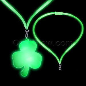 Fun Central G755 LED Light Up Flashing Lanyard - Shamrock