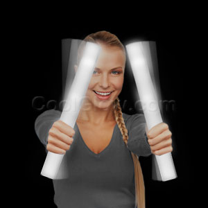 Fun Central O788 LED Light Up Foam Stick Baton Supreme - White