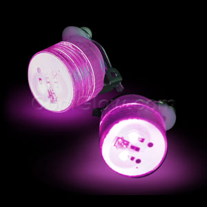 Fun Central AD169 LED Light Up Clip On Blinky Light - Pink