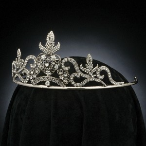 Regal Deluxe Crown