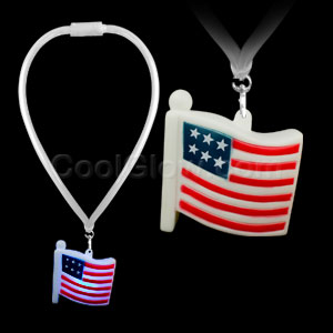 Fun Central AI295 LED Light Up Flashing Lanyard - USA Flag