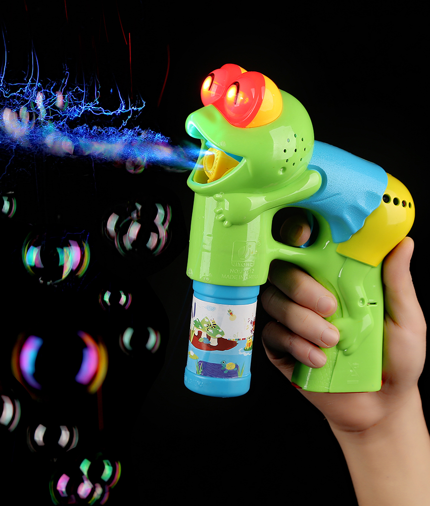 Fun Central AU216  LED Light Up 5.5 Inch Bubble Gun - Frog