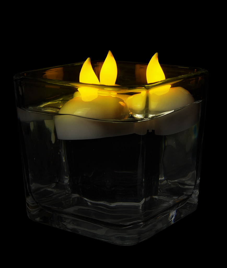 Fun Central AT750 LED Light Up Waterproof Tealights - 10ct