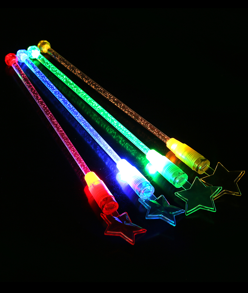 Fun Central O046 LED Light Up Star Cocktail Stirrers - Assorted