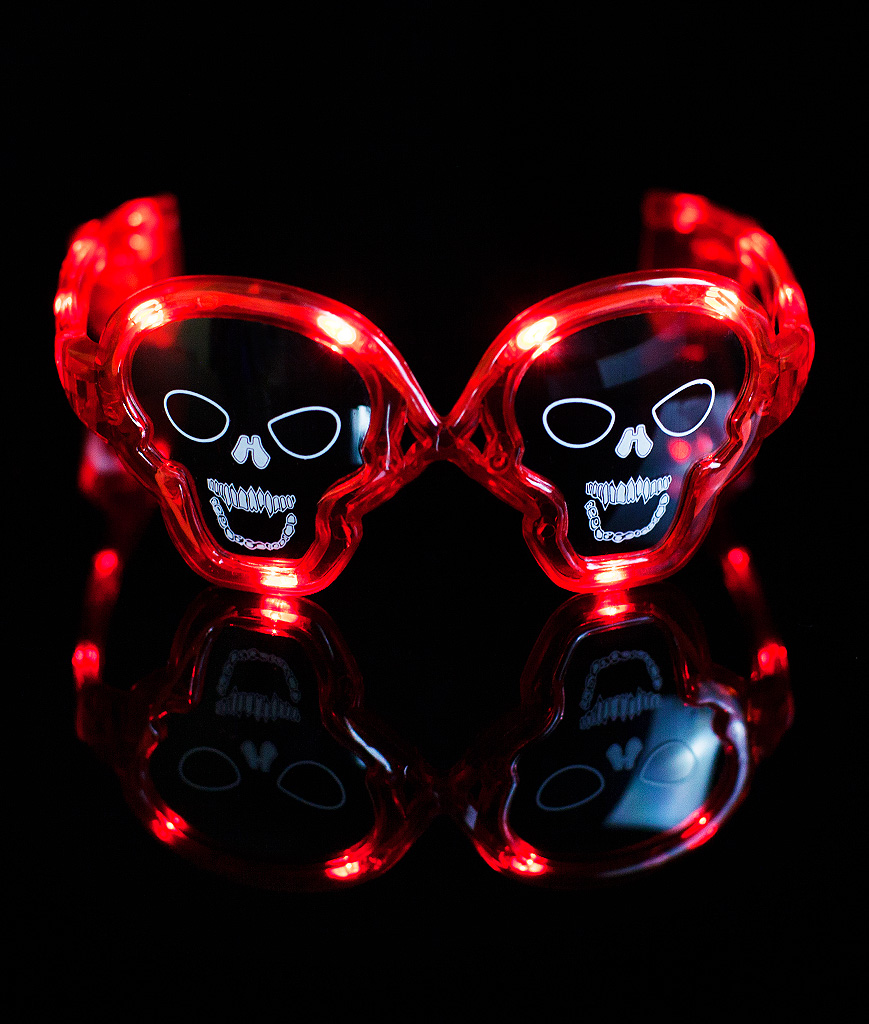 Fun Central I471 LED Light Up Skull Sunglasses