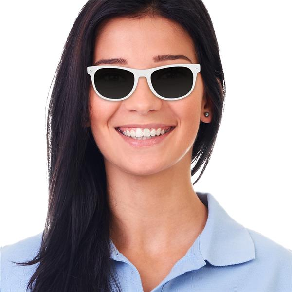 WHITE FRAME RETRO SUNGLASSES