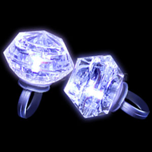 Fun Central M764 LED Light Up Diamond Bling Rings - Assorted