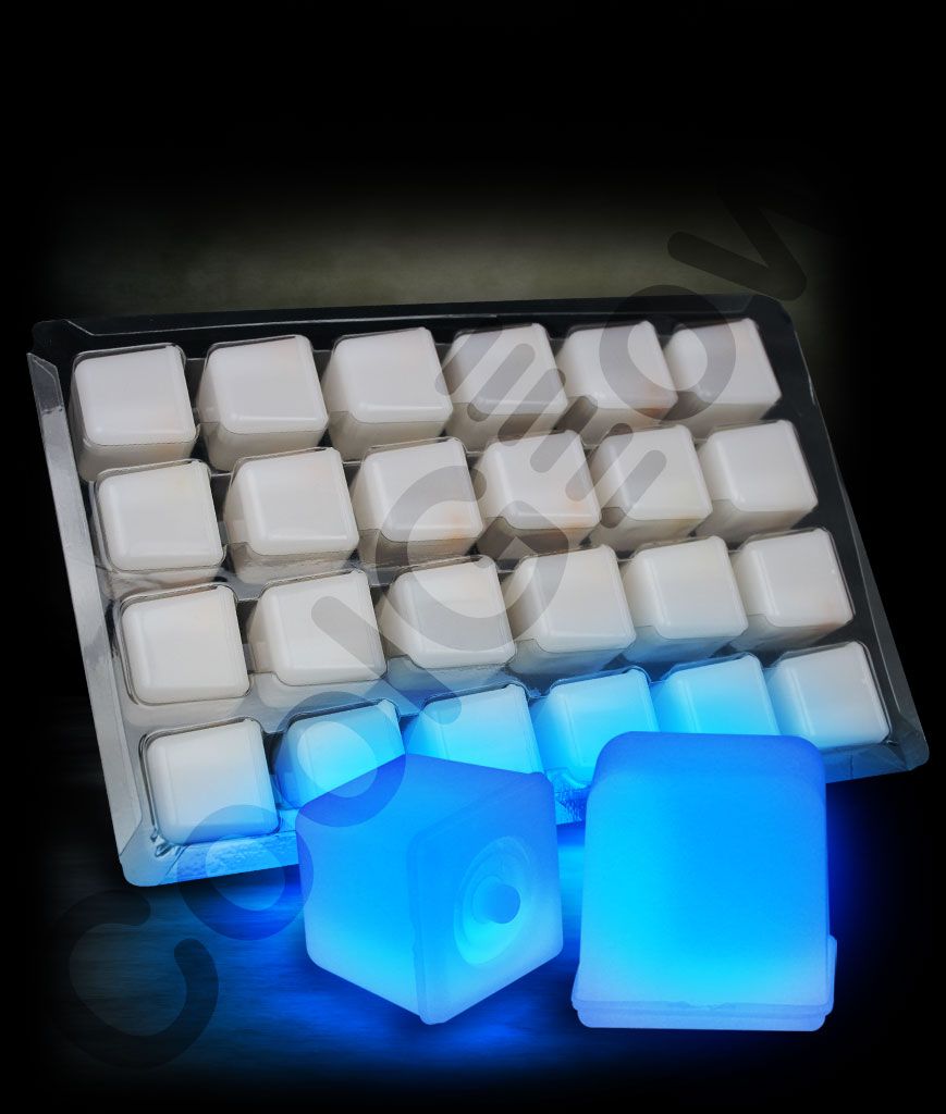 Fun Central P908 Glow in the Darking Ice Cubes - Blue