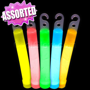 Fun Central I33 6 Inch Premium Glow in the Dark Sticks - Assorted