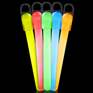 Fun Central I31 4 Inch Standard Glow in the Dark Sticks - Assorted Colors
